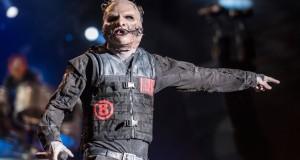 Corey-Taylor-masked